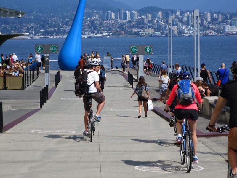 City tour through Vancouver (Credit: Vancouver Bike Tours)