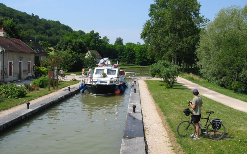 Bicycle tour in Burgundy, France (Credit: Janice Chung)