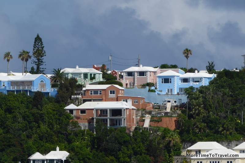 Traditional Bermudian architecture with pastel colors and white roofs.