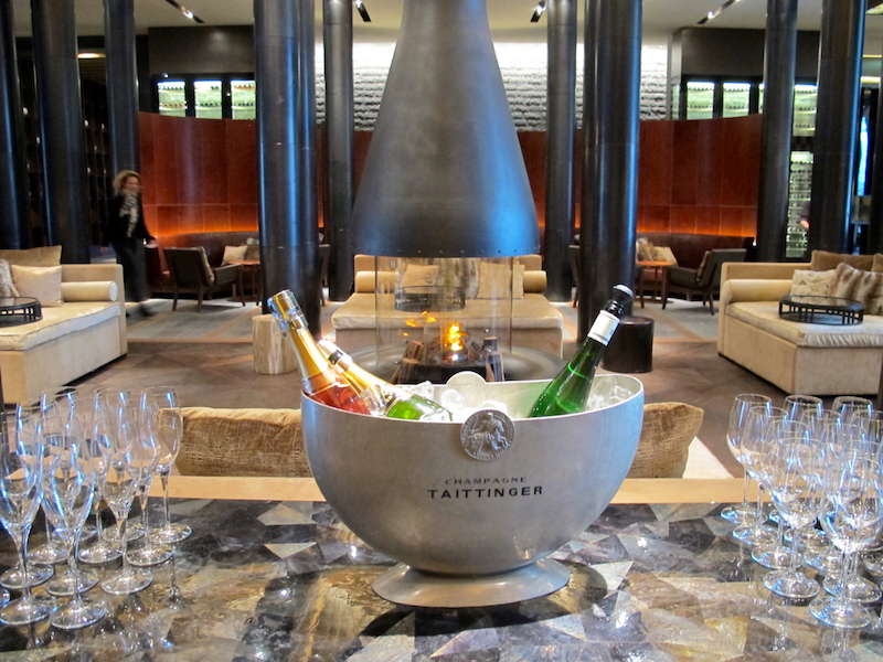 Enjoy apres-ski in the Chedi Andermatt's Lounge