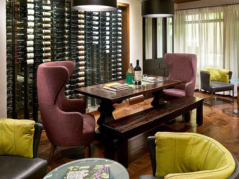 Complimentary nightly wine hour featuring local vintages held in the lobby (Photo courtesy Kimpton Hotels)