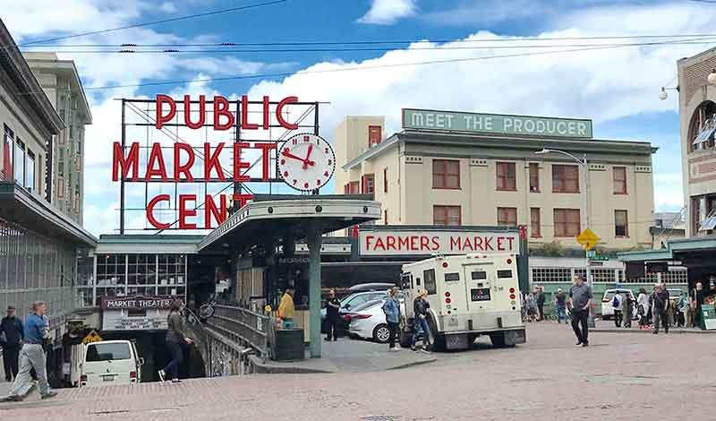 Pike Place Market (© Debbra Dunning Brouillette)