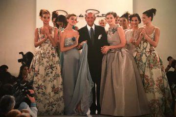 Oscar de la Renta and Models (Credit: Mary Gilbert)