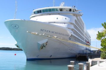 Seven Seas Navigator at port