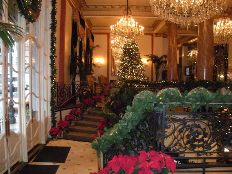 Victorian-style Christmas with guests invited to the lobby for a bedtime snack (Photo credit: Deborah Burst)