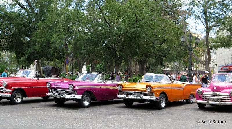 Best experiences in Havana: Vintage cars in Havana