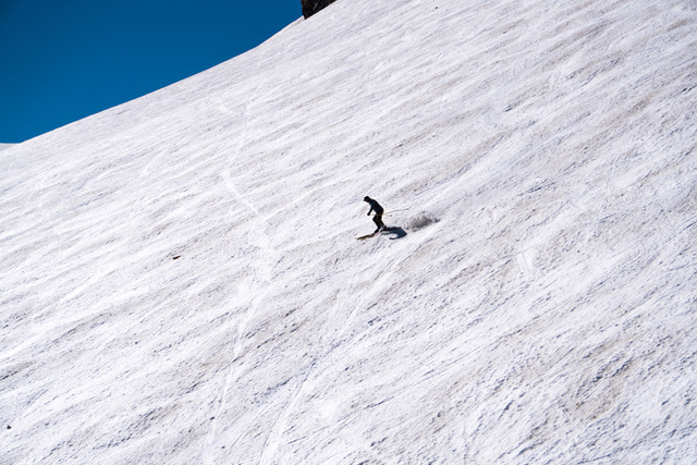 Heavy snow allows summer skiing at Mammoth Mountain until early Augustesso