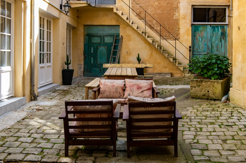 Courtyard of Villa St. Simon in Blaye