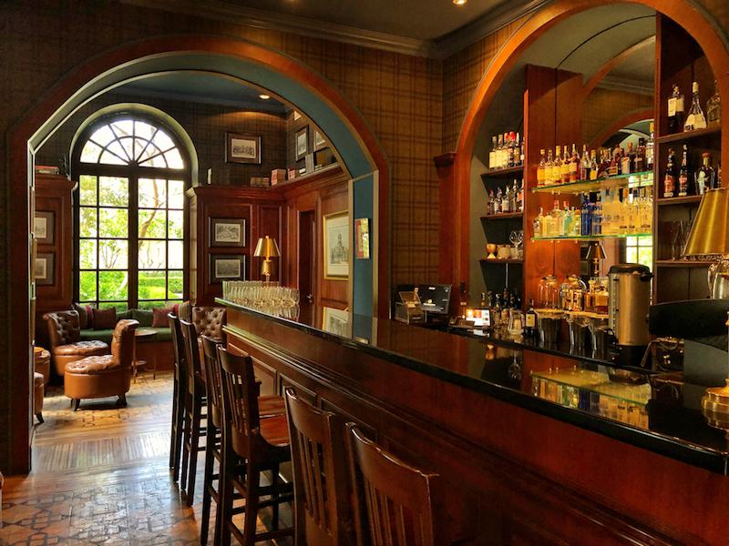 The cozy bar at Casa Gangotena. @Alison Abbott