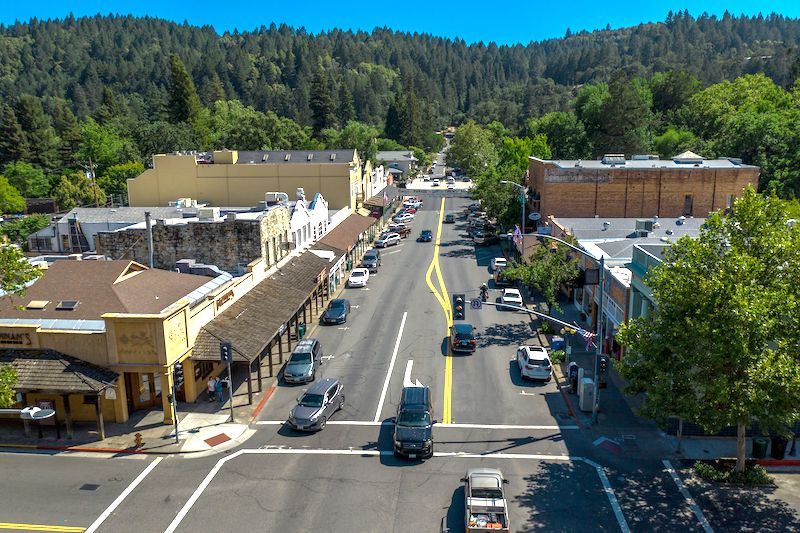 Main Street in Calistoga (Credit: Visit Calistoga)