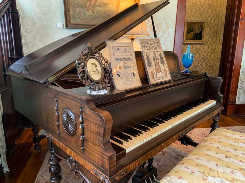 Chambers House mint-condition piano (Credit: Deb Burst)
