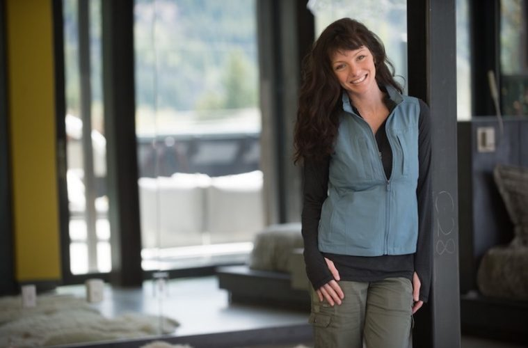 "The Scottevest ""featherweight"" lightweight travel vest for women"
