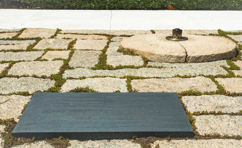 Dreamy DC: President John F. Kennedy grave and eternal flame