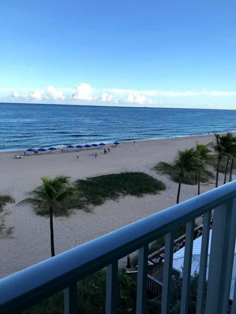 Rooms with a view in Lauderdale-by-the-Sea