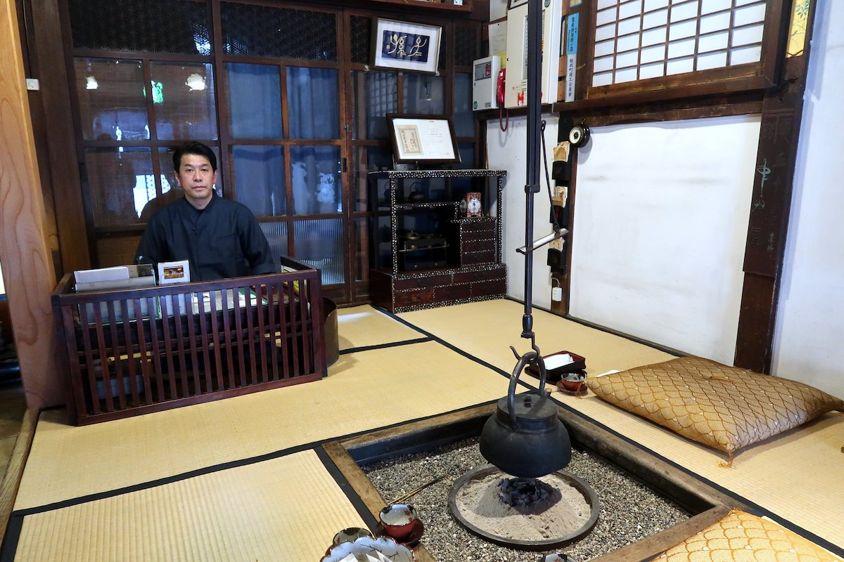 Fukushima Prefecture: Nakamuraya, an historic Japanese inn in Iizaka Onsen, managed by Hiroshi Abe