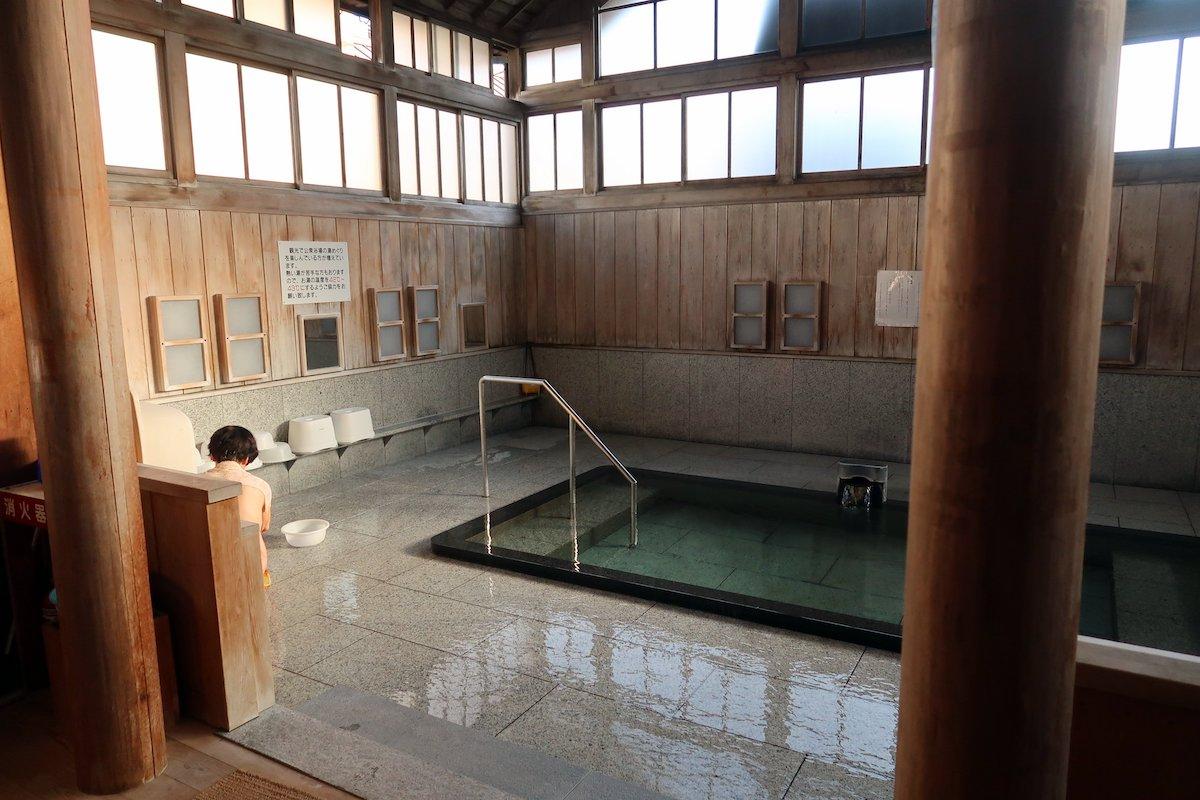 Sabakoyu, where beloved haiku poet Basho is said to have bathed