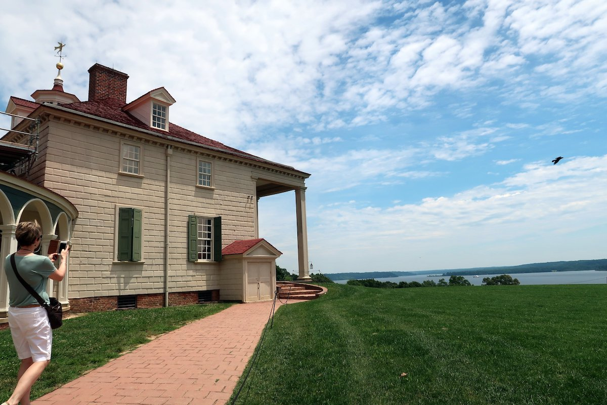 George Washington Slept Here: Mount Vernon commands a sweeping view over the Potomac River