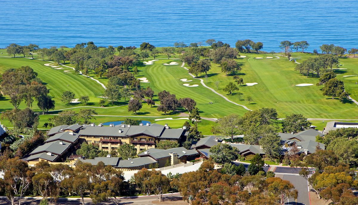 Midweek luxury getaway - aerial view of the golf course