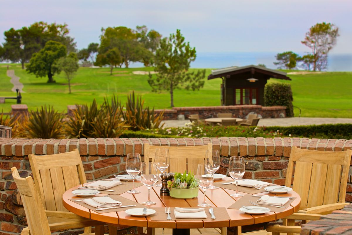 The Grill at Torrey Pines patio