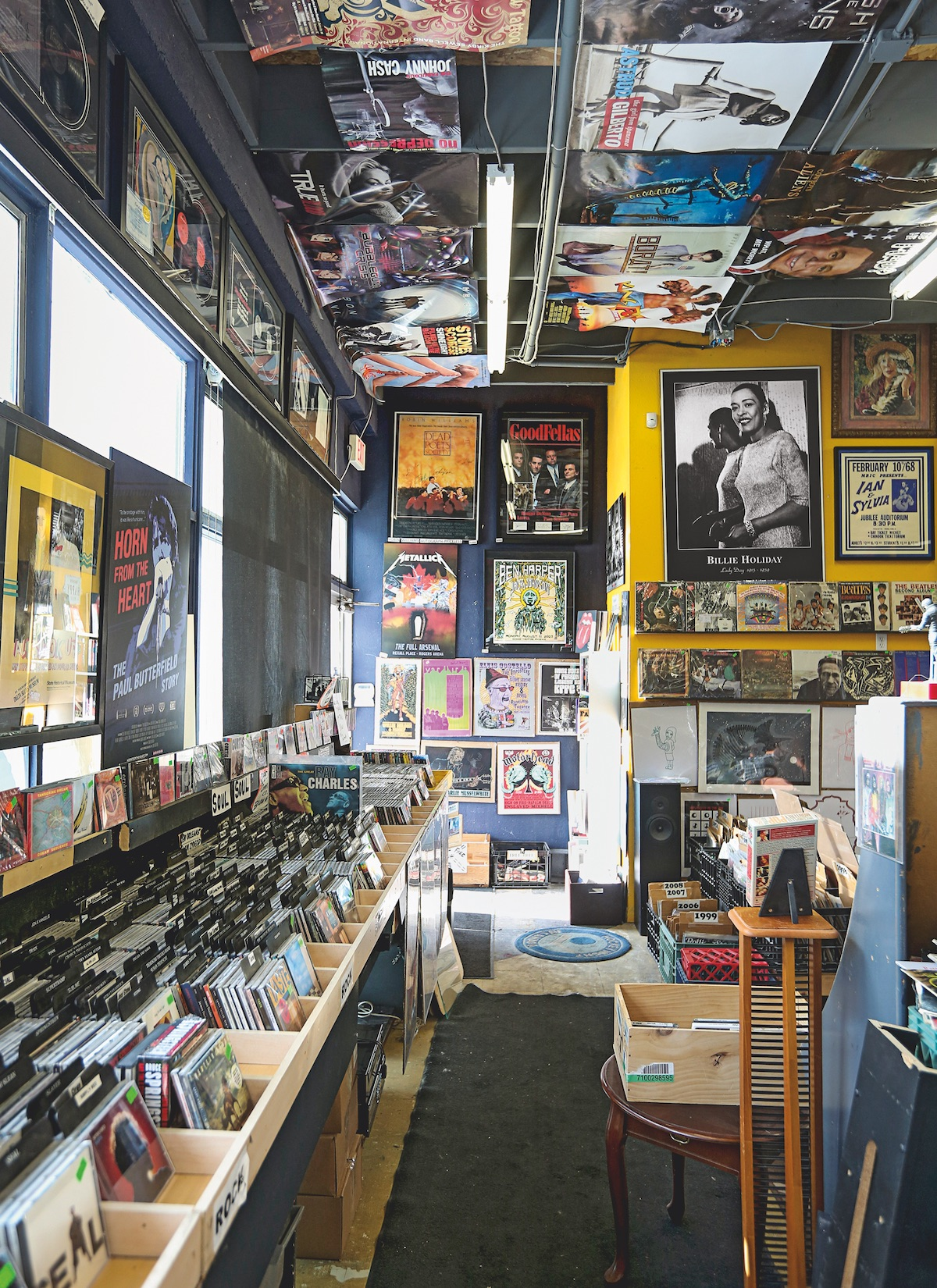 A total of 10,000 CDs, 40,000 records and 5,000 posters crammed into one place: Heritage Posters & Music. Photo by Christina Ryan, courtesy Emons Verlag GmbH.