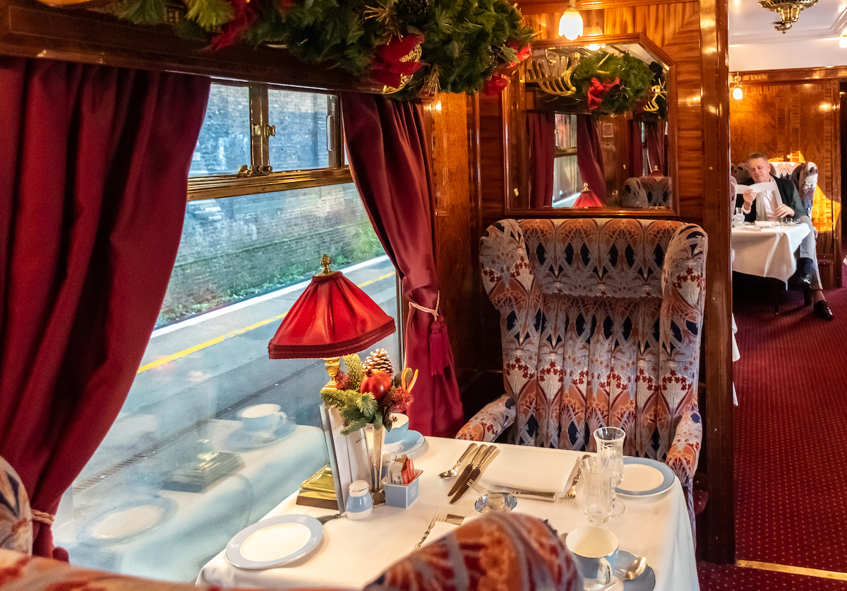 Our intimate and elegant table for two on the British Pullman (credit: Rose Palmer)