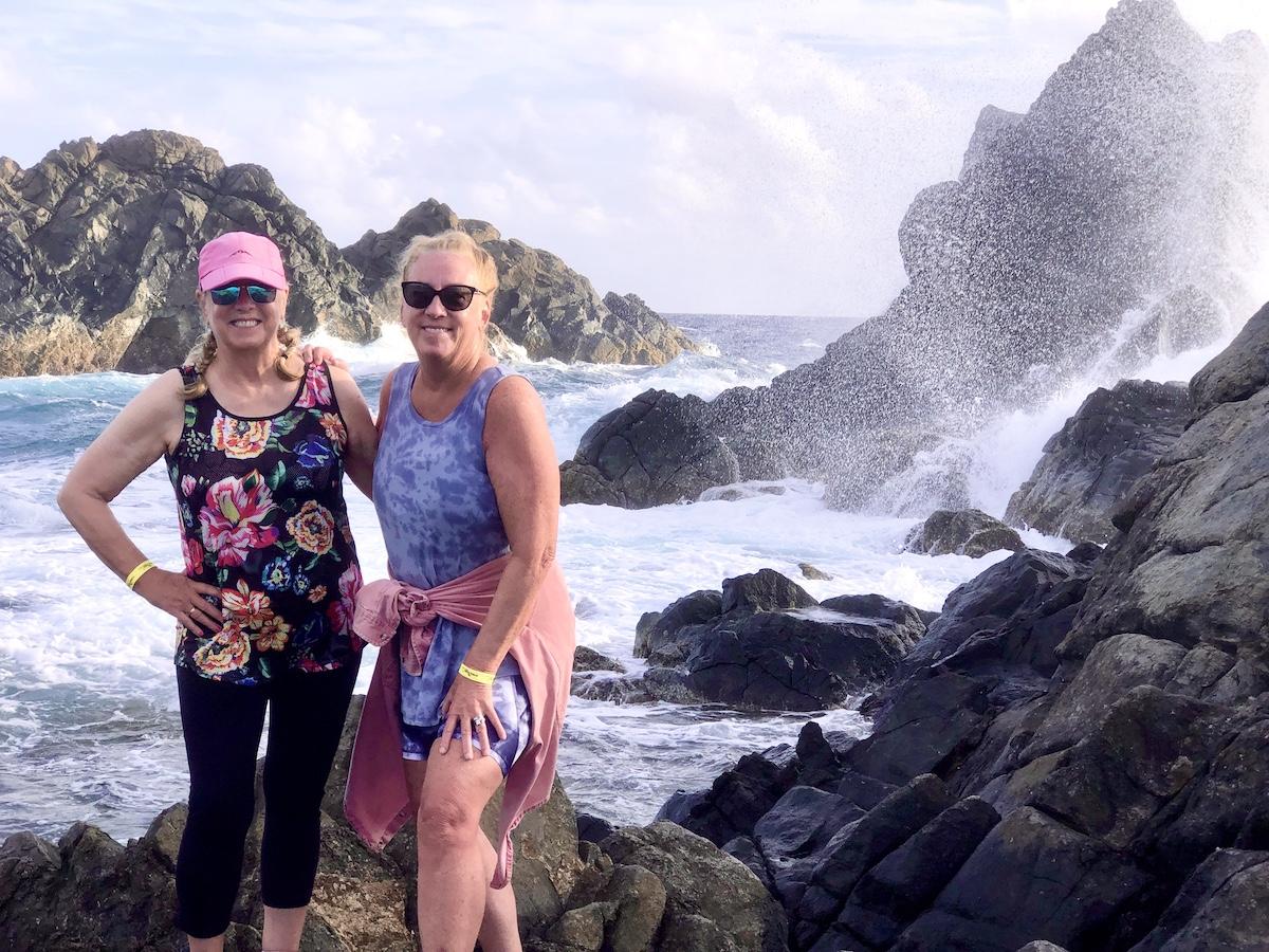Two women on a sunrise hike on Aruba